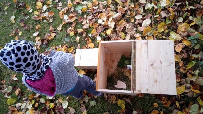 Tahle nám bude spát ježek v domečku
