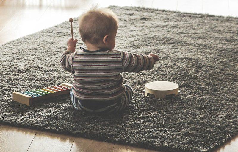 Jak ztlumit dětskou elektronickou hračku