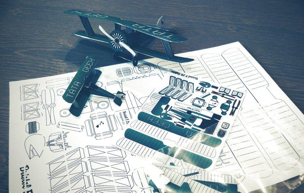Papírové letadlo